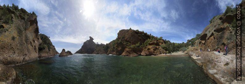 Panorama de l'Anse de Figuerolles. Photo © André M. Winter