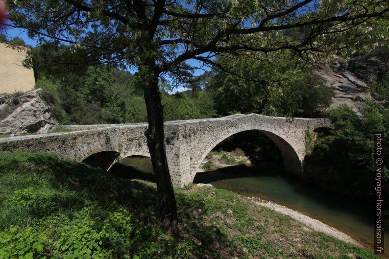 Pont Sainte Catherine sur la Besque. Photo © André M. Winter