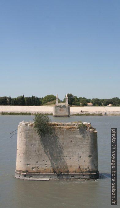 Restes du Pont aux Lions. Photo © André M. Winter