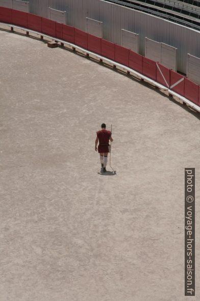 Gladiateur solitaire dans l'amphithéâtre d'Arles. Photo © André M. Winter