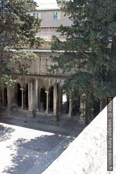 Galerie sud gothique du Cloître Saint-Trophime. Photo © André M. Winter
