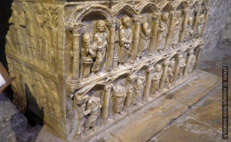 Sarcophage paléochrétien à deux registres de la cathédrale Saint-Trophime. Photo © André M. Winter