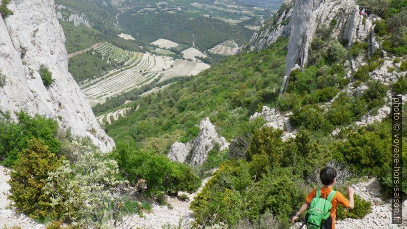 Dans le col du Rocher du Turc dans les Dentelles Sarrasines. Photo © André M. Winter