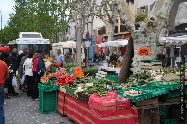 Légumes au marché de Gardanne. Photo © André M. Winter