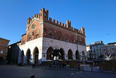 Palazzo Gotico di Piacenza. Photo © André M. Winter