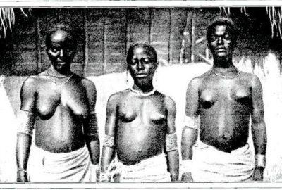 Trois femmes de Mopé en Pays Attié