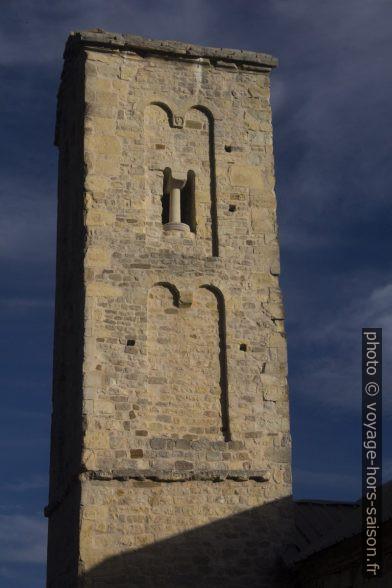 Clocher-tour de la Chapelle Saint-Thyrse. Photo © André M. Winter