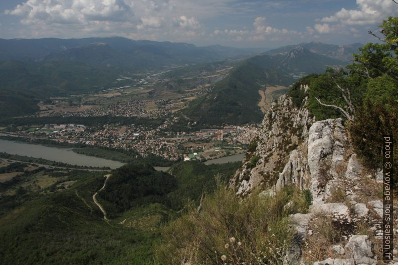 Vallée de la Durance vue de la Montagne de la Baume. Photo © Alex Medwedeff