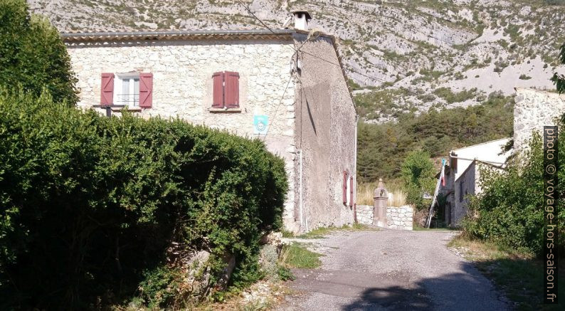 Maisons du Petit Robion. Photo © André M. Winter