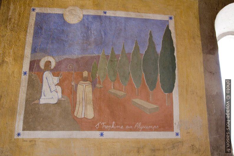 Fresques naïves dans la Chapelle St. Trophime de Robion. Photo © André M. Winter