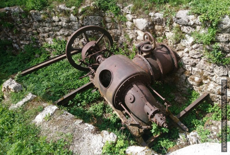 Ancienne turbine pour transformer la force de l'eau en force motrice. Photo © André M. Winter