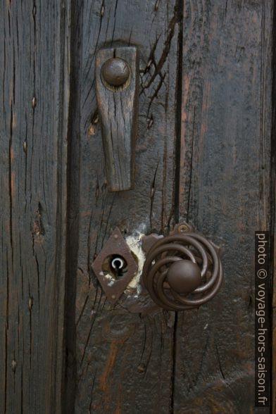 Poignée de porte de la Chapelle St. André. Photo © Alex Medwedeff