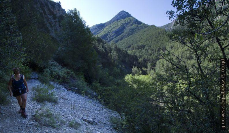 Crête entre les Gorges de Trévans et le Ravin de Mayaiche. Photo © André M. Winter