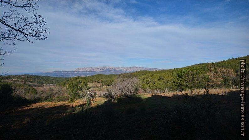 La Montagne Sainte Victoire vue du Pas de la Couelle. Photo © André M. Winter