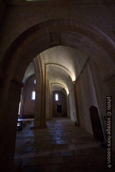 Collatéral de l'église abbatiale du Thoronet. Photo © André M. Winter