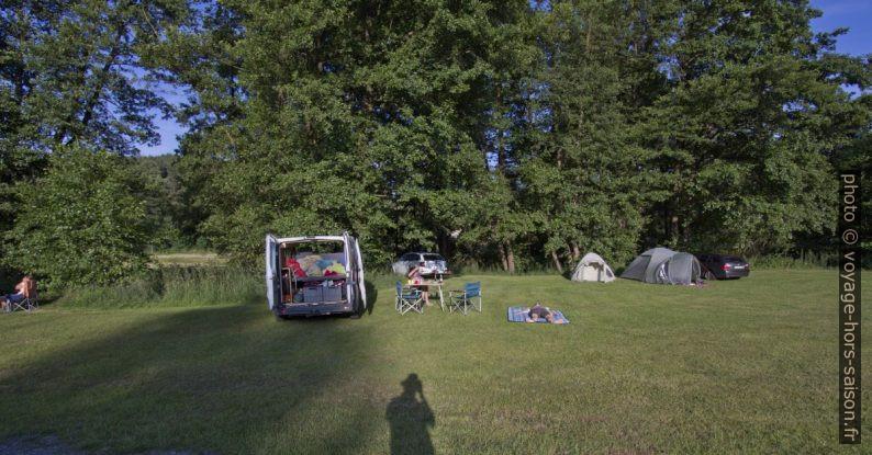 Grand pré du Camping Rhönperle. Photo © André M. Winter