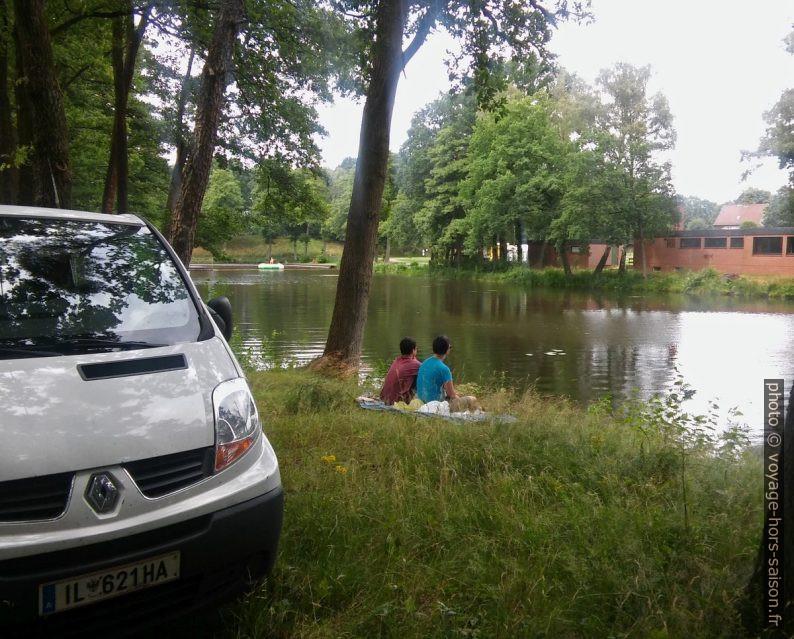 Notre Trafic au bord du lac de baignade sur le Fischendorfer Bach. Photo © André M. Winter