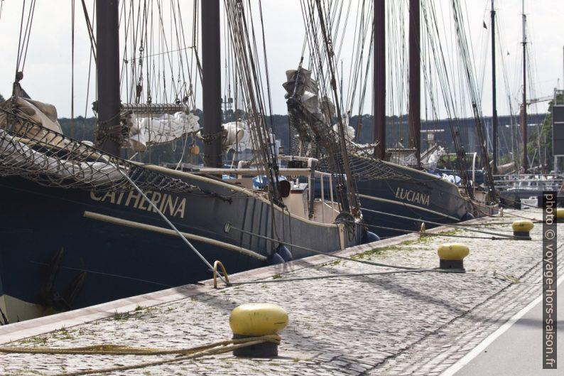 Grands voiliers en acier au Tiessenkai à Kiel. Photo © André M. Winter