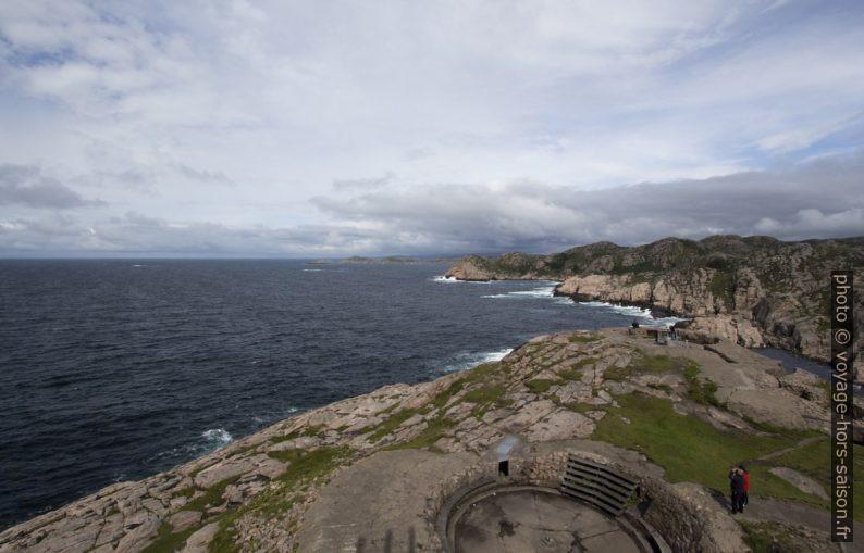 Vue du phare de Lindesnes vers le nord-ouest par dessus Grønsfjorden. Photo © André M. Winter