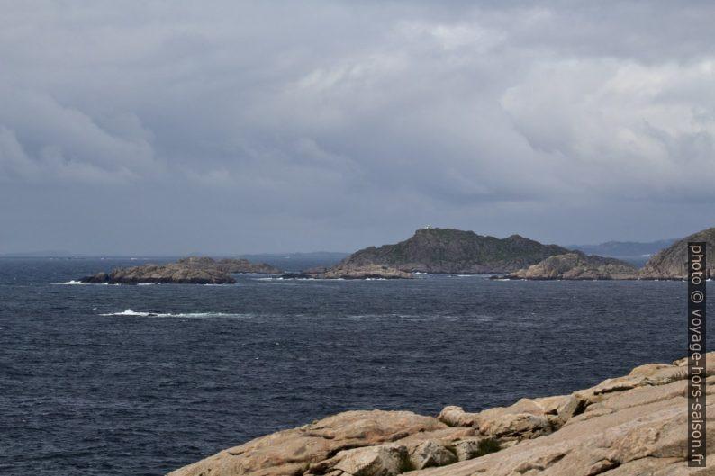 Ancien socle du phare frère sur l'île de Markøy. Photo © André M. Winter
