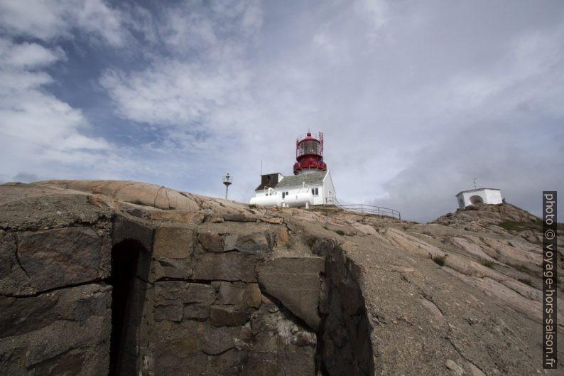 Galerie betonnée du Mur de l'Atlantique sous le phare Lindesnes. Photo © André M. Winter