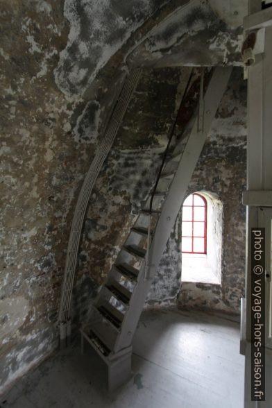 Escalier dans la tour du Phare de Lista. Photo © André M. Winter
