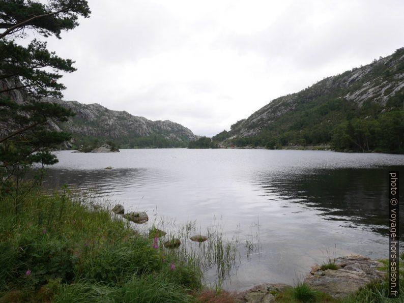 Vue sur la partie est du lac Langevatnet. Photo © Nicolas Medwedeff