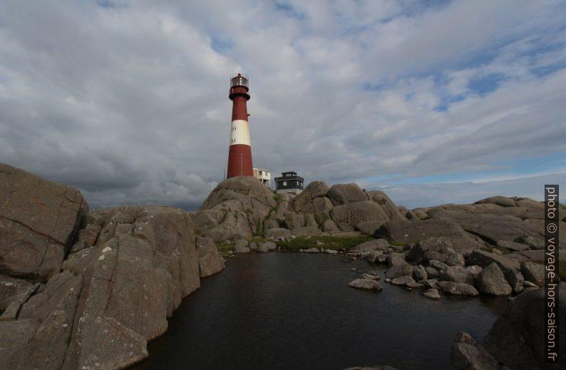 Phare d'Eigerøy sur les rochers d'anorthosite. Photo © André M. Winter
