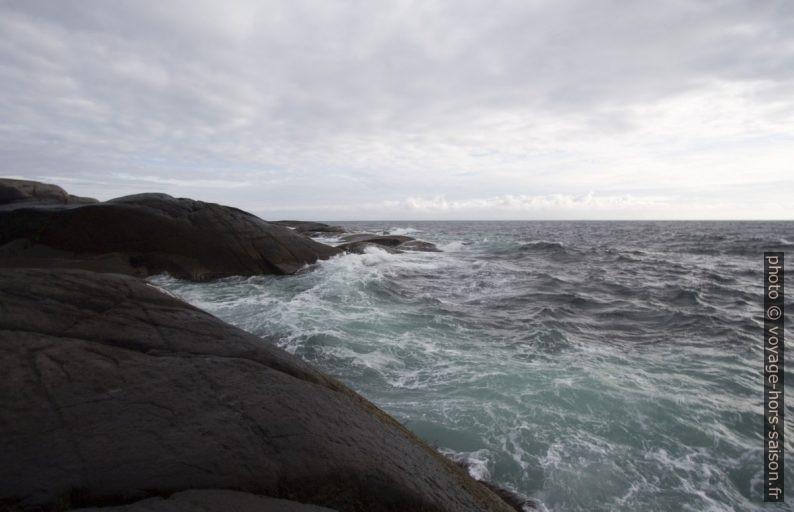 Mer agitée au cap d'Eigerøy. Photo © André M. Winter