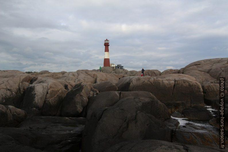 Le phare Eigerøy Fyr vu de la côte ouest. Photo © André M. Winter