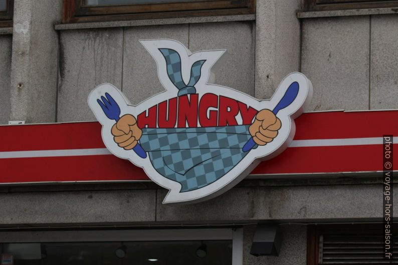 Enseigne Hungry d'un restaurant de rue. Photo © André M. Winter
