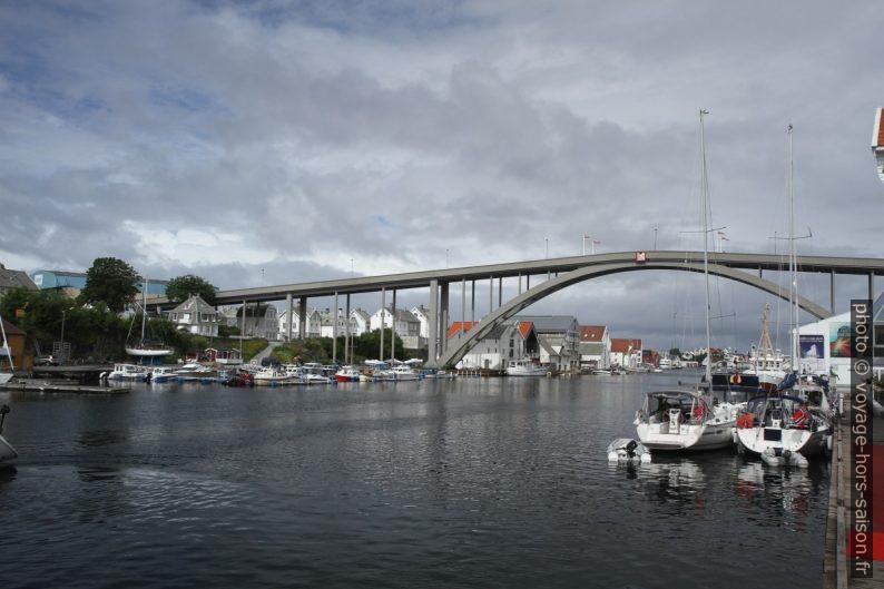 Pont de Risøya à Haugesund. Photo © Alex Medwedeff