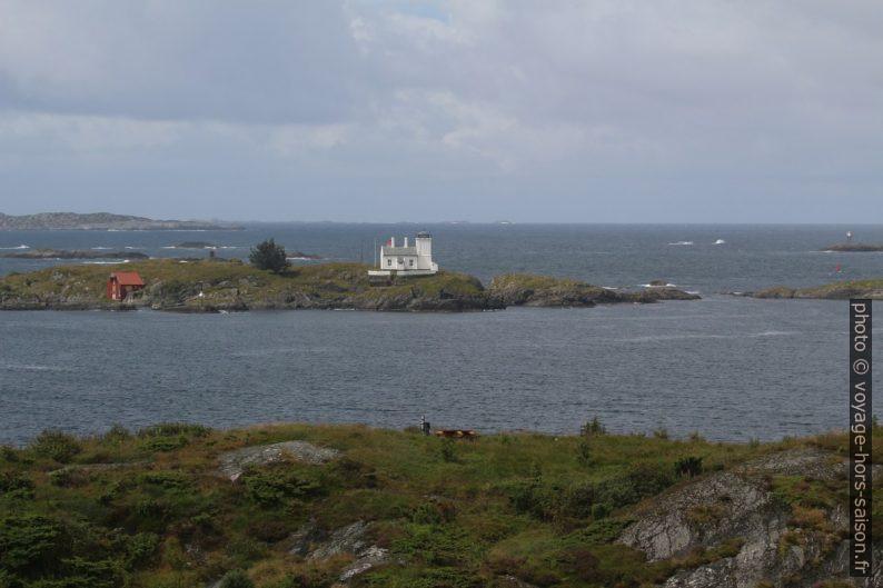 Phares sur l'île Sørhaugøy. Photo © André M. Winter