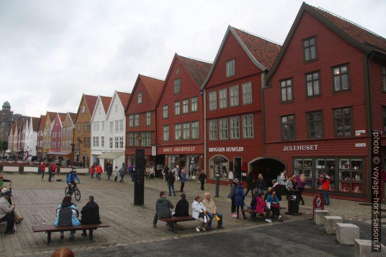 Une partie des façades de Bryggen à Bergen. Photo © André M. Winter