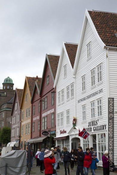 Façades de Bryggen à Bergen. Photo © Alex Medwedeff