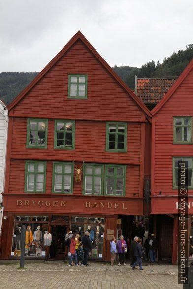 Une des façades de Bryggen à Bergen. Photo © Alex Medwedeff
