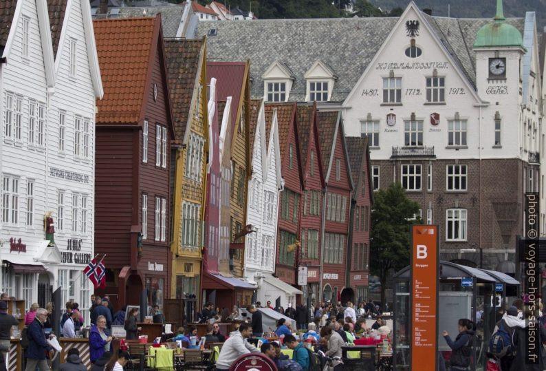 Maisons penchées de Bryggen à Bergen. Photo © André M. Winter