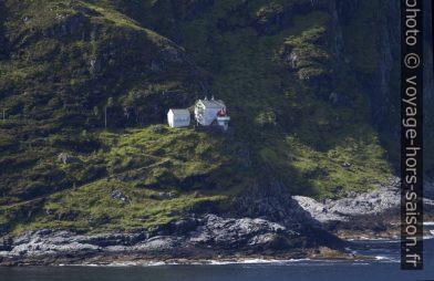 Le phare Hendanes Fyr. Photo © André M. Winter