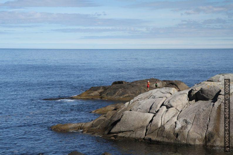 André et Nicolas sur le Cap Solveggen. Photo © Alex Medwedeff