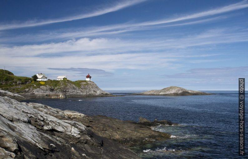Le phare de Skongenes et Skongsnesholmen. Photo © Alex Medwedeff