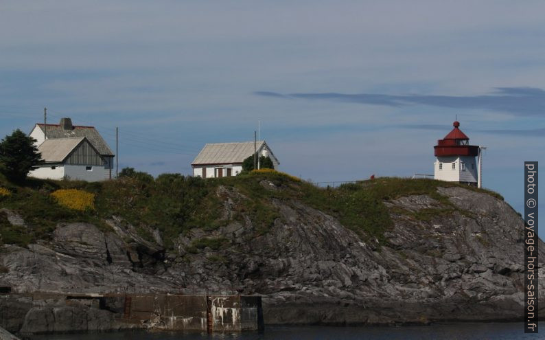 Le phare de Skongenes et les maisons de gardiens. Photo © André M. Winter