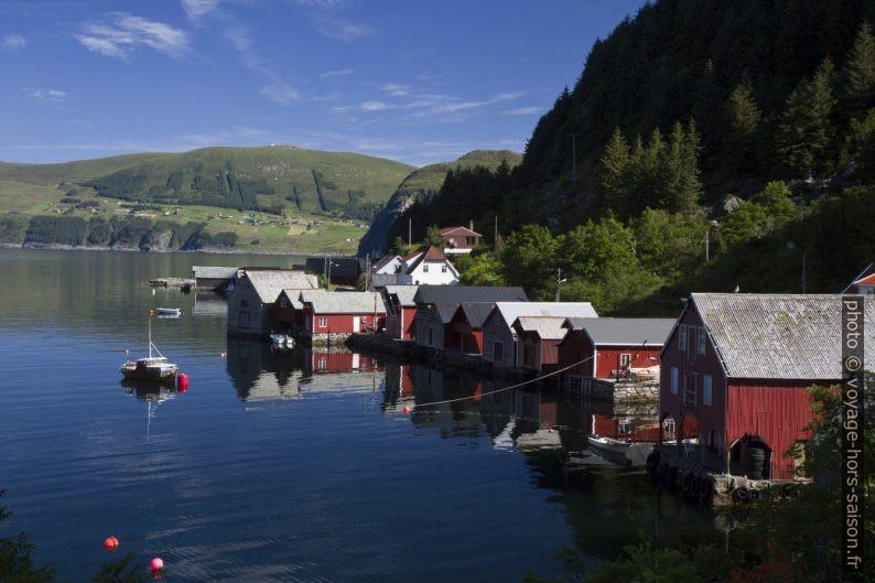 Cabanes de pêcheurs de Vika et de Seljeneset. Photo © Alex Medwedeff