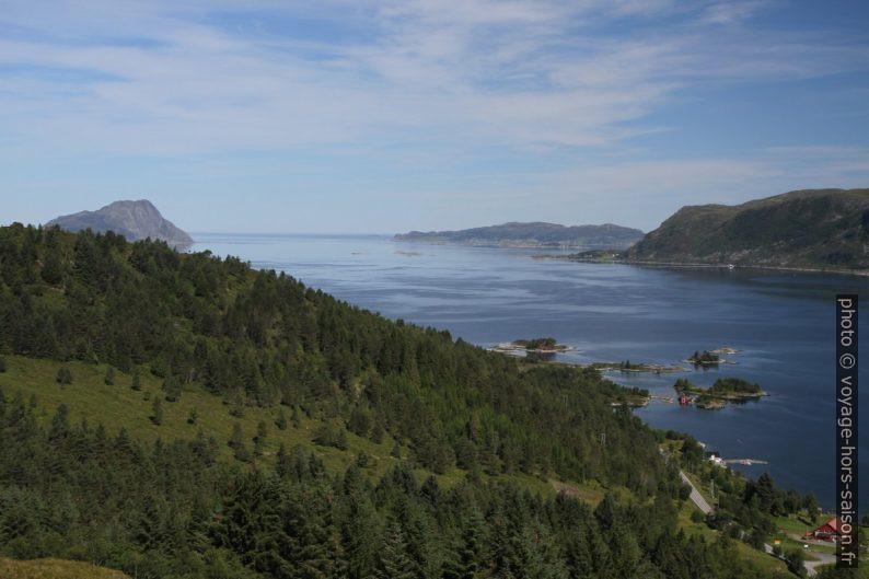 Le Vanylvsfjord et les îles de Sandvikneset. Photo © Alex Medwedeff