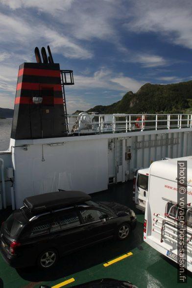 Sur le ferry traversant le Rovdefjord. Photo © Alex Medwedeff
