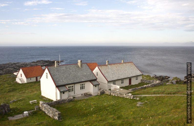 Maisons de gardiens du phare de Runde. Photo © Alex Medwedeff