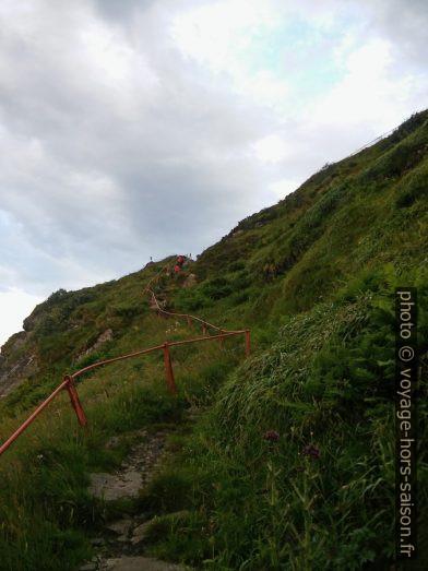 Chemin entre le phare de Runde et Storhaugen. Photo © André M. Winter