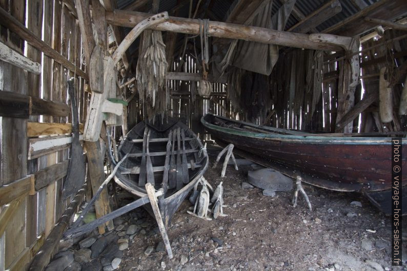 Ancien abri de bateaux de pêche. Photo © André M. Winter