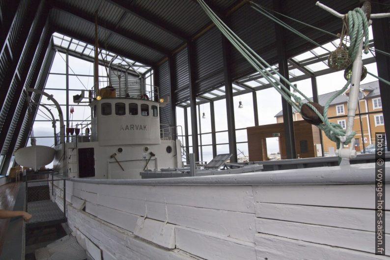 Timonerie du navire polaire Aarvak. Photo © André M. Winter