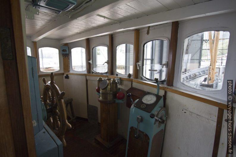Passerelle du navire polaire Aarvak. Photo © André M. Winter