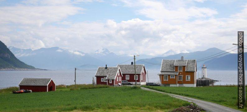 Maisons du cap Høgsteinneset. Photo © Nicolas Medwedeff
